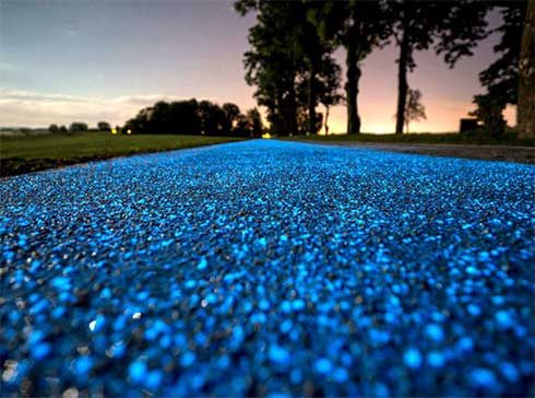 Piste-cyclable-lumineuse-bleue-Pologne-intro.jpg